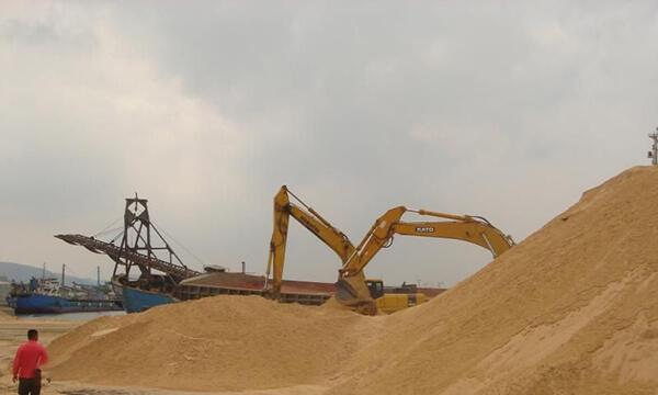 beach sand mining